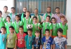 تكريم الفائزين بدوري كرة القدم في مدرسة زيد بن حارثة
