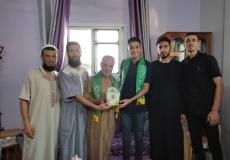 الكتلة الإسلامية في منطقة الشمالية أ برفح تزور الطلاب المتفوقين في الثانوية العامة