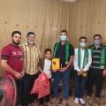 أ. محمد نصر وفد الكتلة الإسلامية أثناء تكريم الطالب محمد البلاص وعائلته
