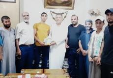 الكتلة الإسلامية في منطقة الشرقية أ برفح تزور الطلاب المتفوقين في الثانوية العامة