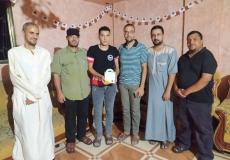 الكتلة الإسلامية في المنطقة الغربية برفح تزور الطلاب المتفوقين في الثانوية العامة