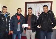 الكتلة الإسلامية المغازي ضمن مشروع #خدمتكم عبادة توزع مساعدات مالية لطلاب الجامعات في المغازي