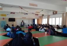 محاضرة قيمة عن أهمية الوقت في مدرسة خالد العلمي الإعدادية بغرب غزة