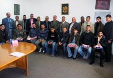 الكتلة الإسلامية في منطقة غرب غزة تكرم الطلاب الفائزين بالمسابقة المنهجية